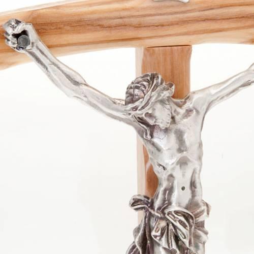 Crucifix en bois d'olivier, croix peinte s2