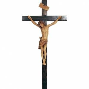 Crucifix en bois peint 55cm s1