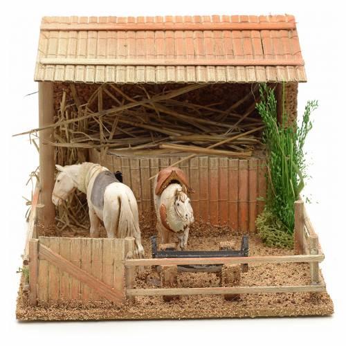 Ecurie avec chevaux animation crèche 15x23x20 cm s1