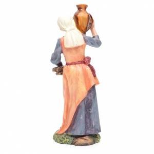 Femme avec jarre et fagot bois 30 cm s2