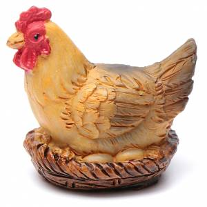 Animales para el pesebre: Gallina en cesta resina para belén 20 cm