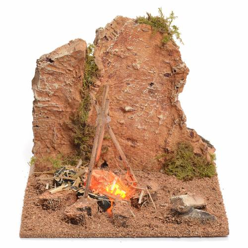 Illuminated nativity setting, rustic camping site with fire 12x15x15cm s1