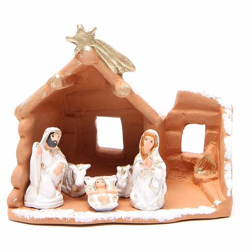 Nativity in painted terracotta and snow 15x16x9cm s1