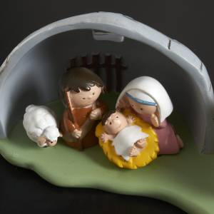 Resin and Fabric nativity scene sets: Nativity scene with stable, 7 figurines 8x18cm