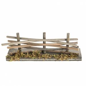 Nativity setting, wooden fence with moss s1