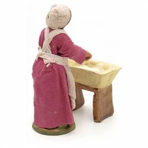 Neapolitan Nativity figurine, woman kneading dough, 10 cm s3