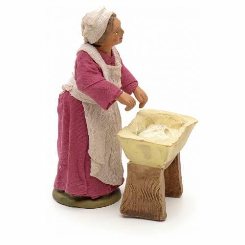 Neapolitan Nativity figurine, woman kneading dough, 10 cm s2