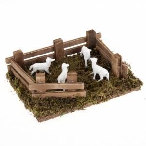 Animales para el pesebre: Ovejas en el recinto belén para belén hecho por ti de 10 cm, medidas: 12 x 16 cm.