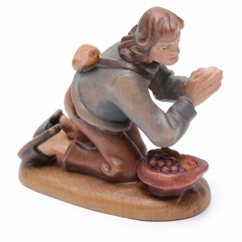 Pastore in ginocchio 12 cm legno presepe mod. Valgardena s3