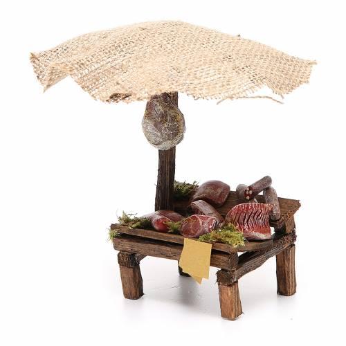 Puesto de mercado para belén con sombrilla, carne y embutidos 16x10x12 cm s2
