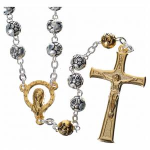 Metal rosaries: Rosary beads in silver metal with roses