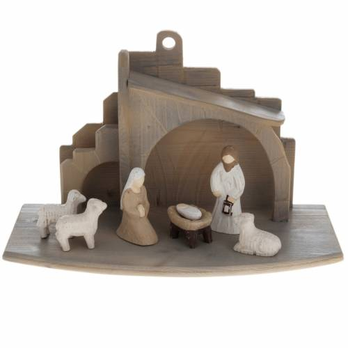 Stylised wooden crib, 10.5cm s1