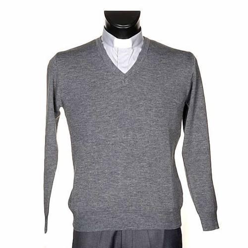 V-neck light grey pullover s1