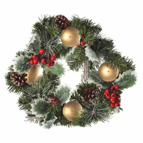 Advent wreath with berries s1
