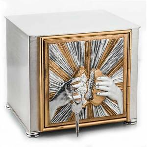 Altar tabernacle braking bread s1