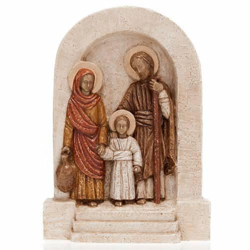 Bas-relief de la Sainte Famille, pierre claire peinte s1