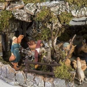 Borgo presepe stile napoletano con capanna luci fontana fuoco s3