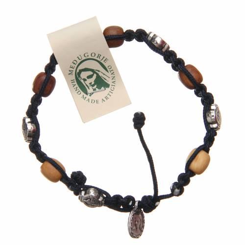 Bracelet bois d'olivier croix Saint Benoît corde bleu foncé s1