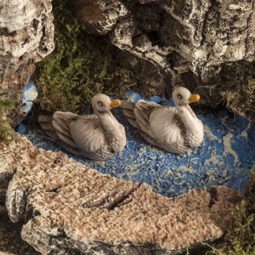 Cabra con gansos en la laguna, para ambientar el pesebre s4