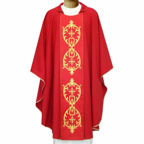 Chasuble in double twisted wool yarn and lurex with embroidery s1