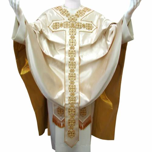 Chasuble in pure silk with hand-embroidered motif 1