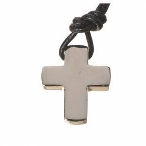 Colgantes, cruces y broches: Cruz clásica de plata con cordón