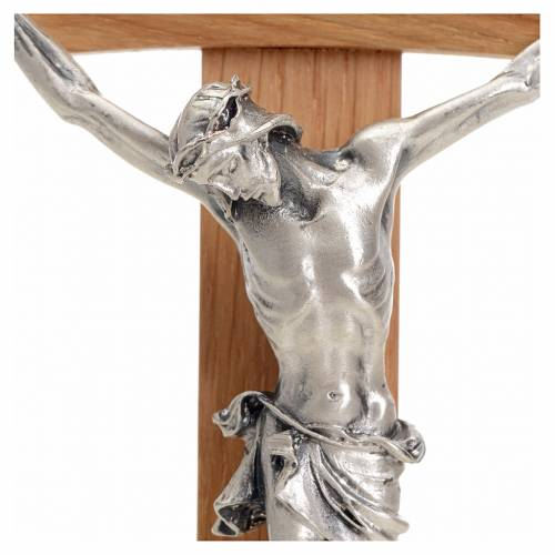 Curved crucifix in oak wood and body in metal s3