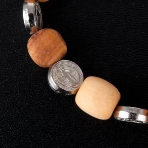 Medjugorje Armbänder: Elsastischer Amrband Olivenholz und Benediktus Medaille