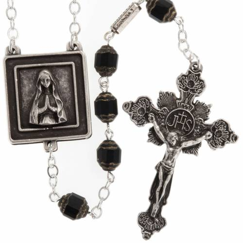 Ghirelli rosary with Our Lady of Lourdes in prayer s1