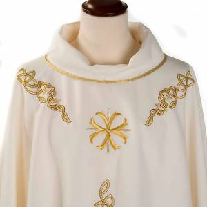 Liturgical chasuble with golden embroidery s3