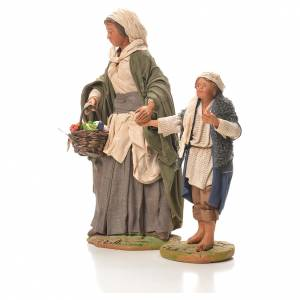 Mother holding child's hand, Neapolitan Nativity 24cm s2