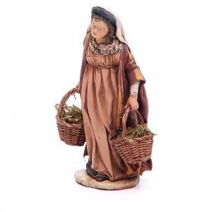 Pesebre Angela Tripi: Mujer con cestas de musgo Belén 13 cm Angela Tripi terracota