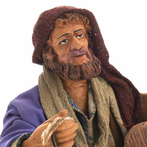 Pastor con linterna y barril 14 cm s3