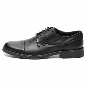 Footwear: Shoes in opaque real leather, toe cut