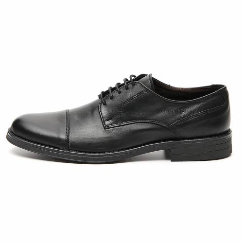 Shoes in opaque real leather, toe cut s1