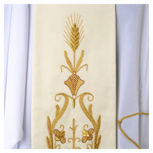 Étole blanche broderies dorées style ancien laine s2