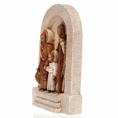 Bas-relief de la Sainte Famille, pierre claire peinte s2