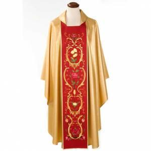Casulla sacerdotal dorada con estolón rojo IHS rosas y flores s1