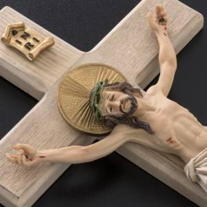 Crucifix bois 40 cm corps résine s3