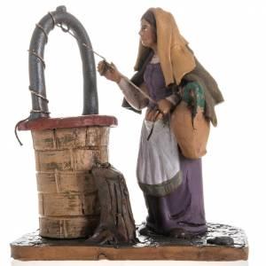 Krippe aus Terrakotta: Frau beim Grube aus Terrakotta 18cm Krippe