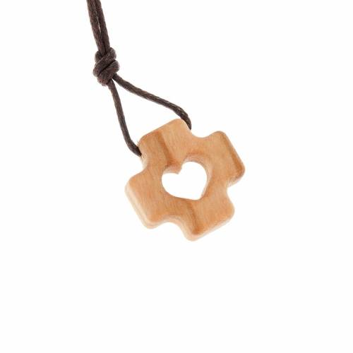 Greek cross pendant in olive wood and heart s1