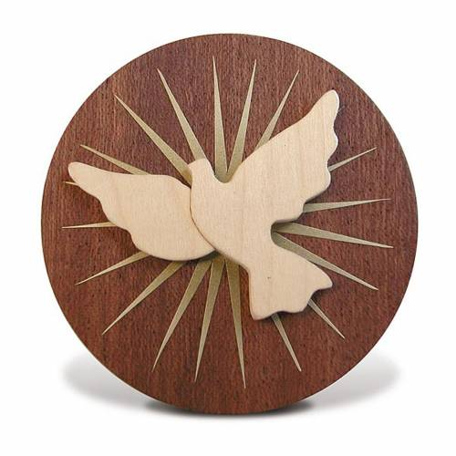 Round wooden favour with Holy Spirit s1