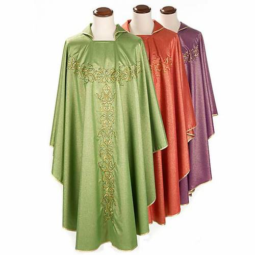 Liturgical vestment in lurex with stylized gold motifs s1