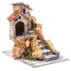 Maison avec escalier liège résine 16x15x18 cm s3