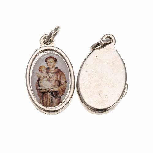 Medalla San Antonio de Padua metal plateado y resina 1,5x1cm s1