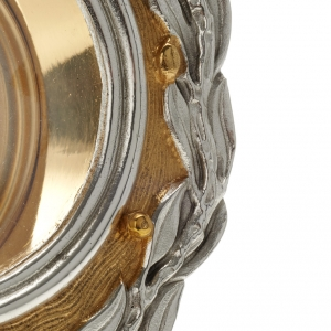 Monstrance with bay leaves s11
