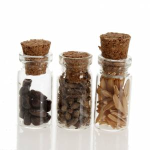 Miniature food: Nativity set accessories, jars with spices
