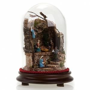 Pesebre en campana de vidrio con ambiente 20 cm de altura s1