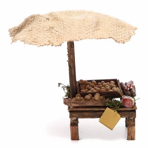 Puesto de mercado para belén con sombrilla, huevos y embutidos 16x10x12 cm s1