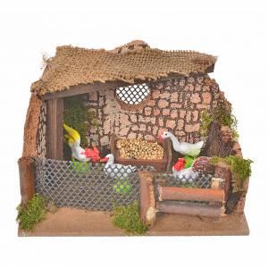 Ambientazioni, botteghe, case, pozzi: Recinto con gallo e galline 11x15x10 cm